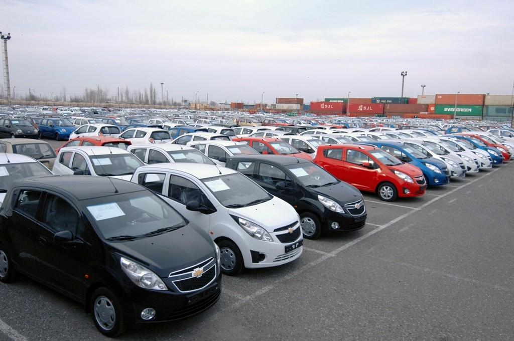 В Казахстане резко снизились продажи автомобилей из Узбекистана