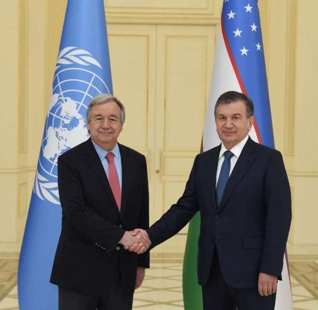 Президент Мирзиёев БМТ Бош котибини Самарқандда қабул қилди
