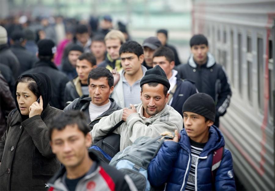 Почти 2.5 миллиона граждан Узбекистана находятся на заработках в России