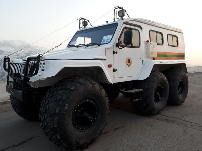 На вооружение спасателей на Камчике поступил вездеход «ТРЭКОЛ»