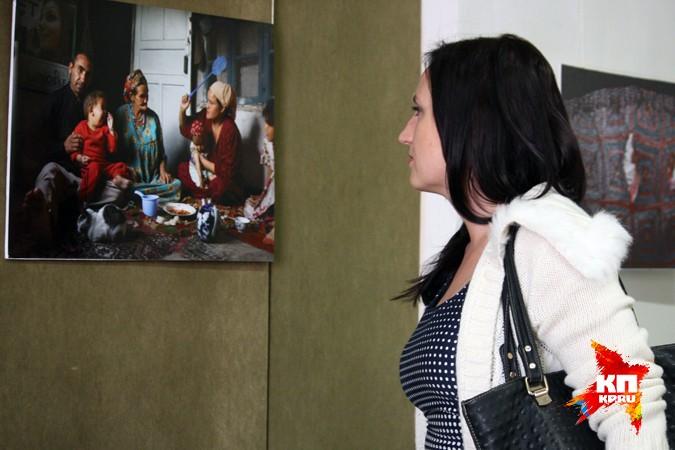 В городах России проходит выставка Анзора Бухарского