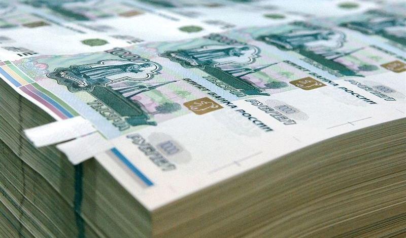 Гражданин Узбекистана похитил у сахалинских бизнесменов более $100 тысяч