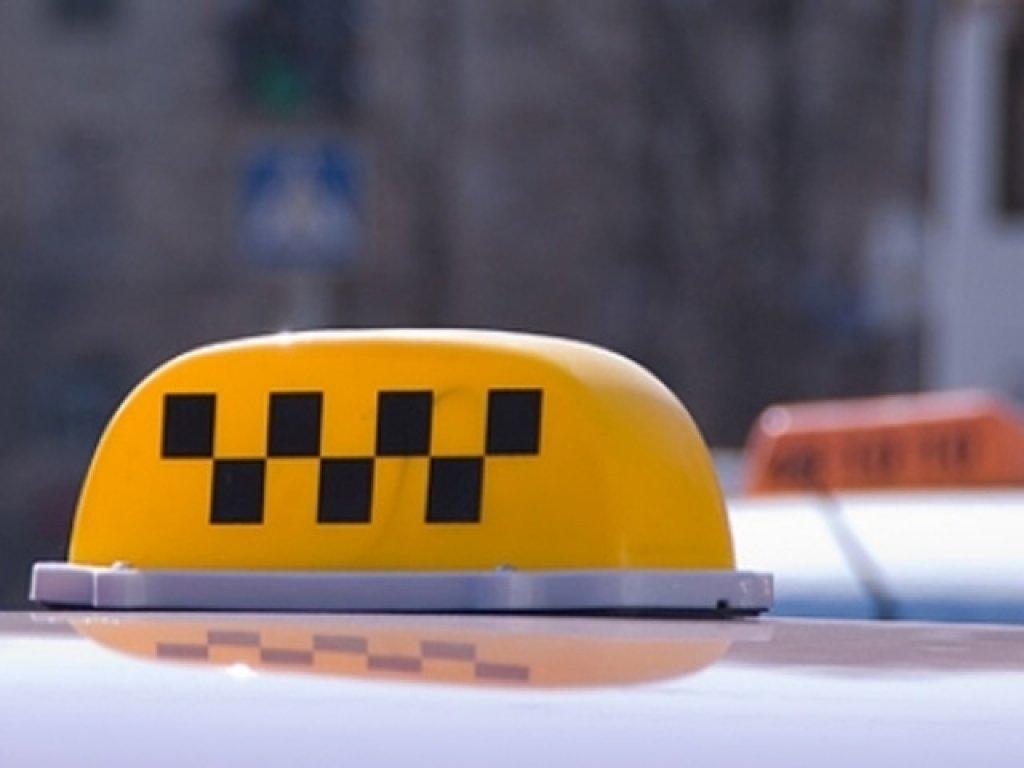Таксист-частник без лицензии приговорен к двум годам исправительных работ