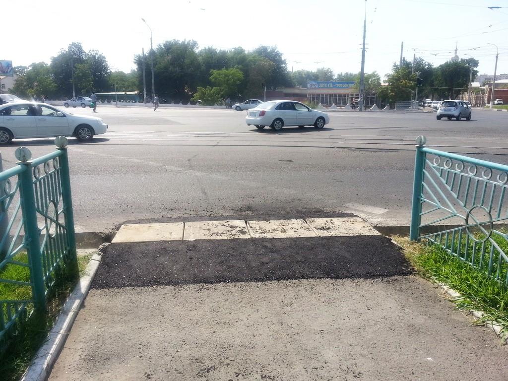 После обращения в ЕПИГУ в одном из районов Ташкента  появился пандус (фото)