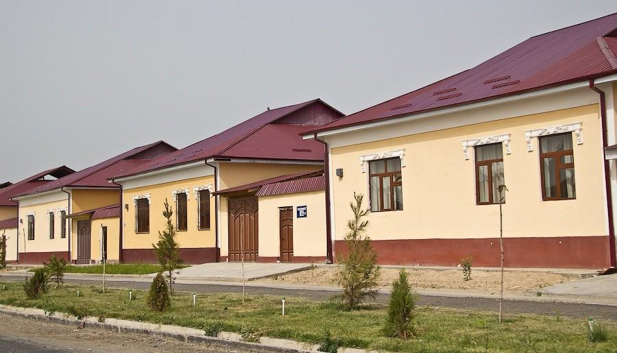 В Сырдарьинской области трудовые отряды «Бунёдкор» строят дома по типовым проектам
