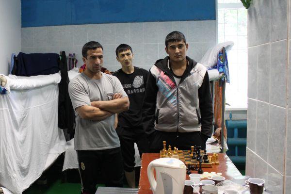 Граждане Узбекистана – в специальном учреждении содержания нелегальных рабочих