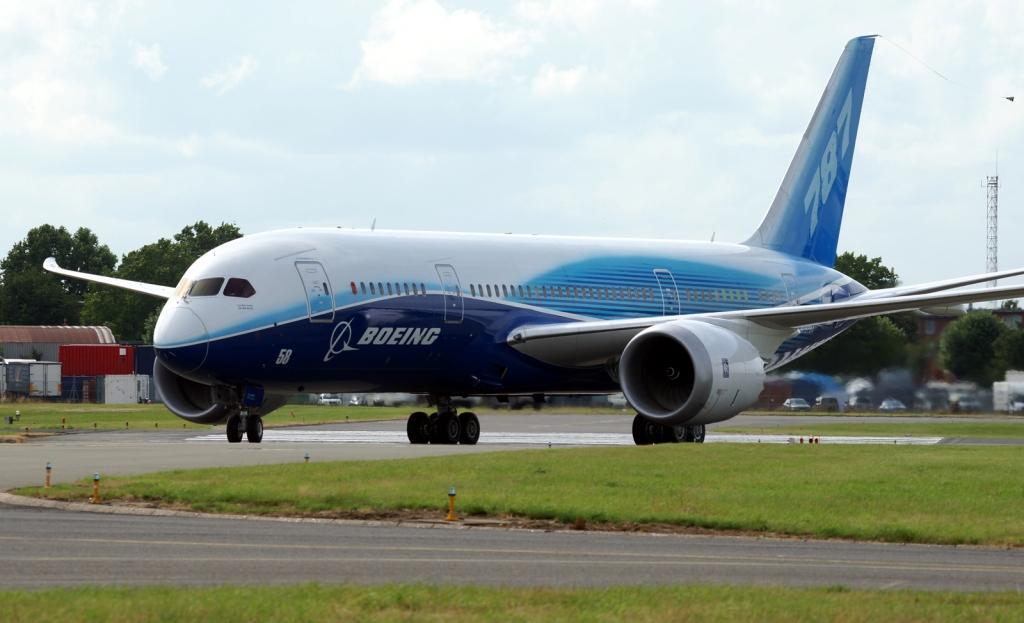 Узбекистан купит 2 самолета Боинг-787 и запасной двигатель за $246