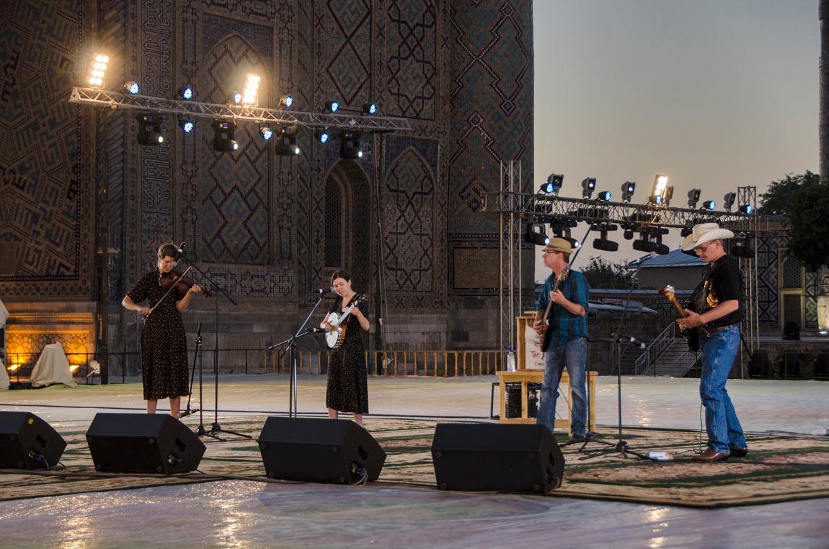 Приключения иностранцев в Узбекистане: Взгляд извне