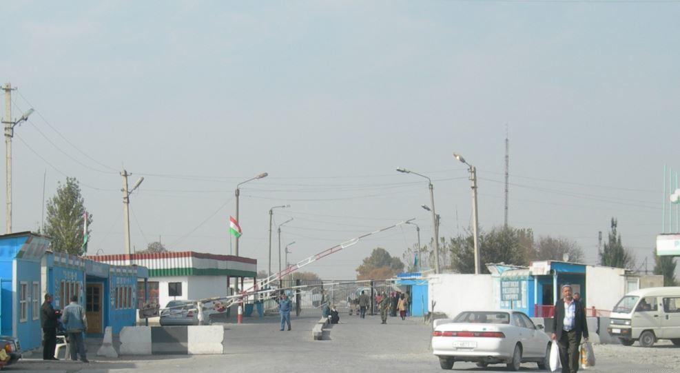 Таджикистан снизит ставки для въезда авто граждан Узбекистана