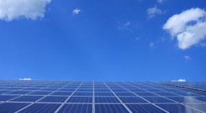 Ўзбекистон 900 МВт қуёш энергияси бўйича тендер эълон қилинади