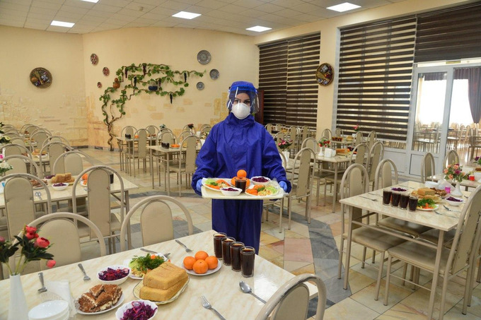 АҚШ агентлиги Ўзбекистонга коронавирусдан ҳимояланиш учун 600 та тўплам тақдим этди
