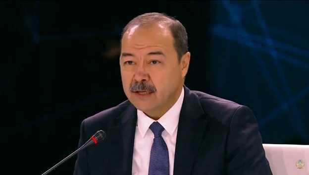 В Узбекистане отменяются все массовые мероприятия (обновлено)