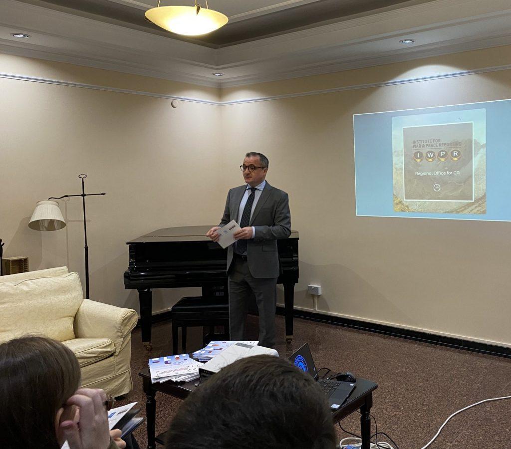 Исследование IWPR: Социальные сети – важный источник новостей в Узбекистане