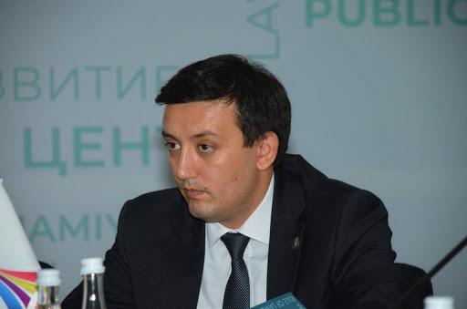 Депутат Законодательной палаты предложил ограничить движение автомобилей и пешеходов