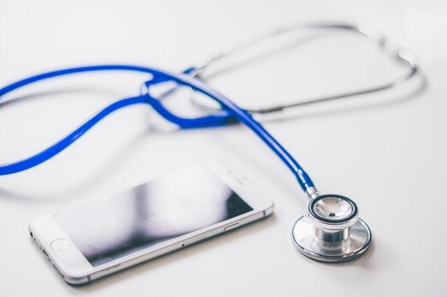 Президент Узбекистана подписал постановление об обязательной аттестации врачей