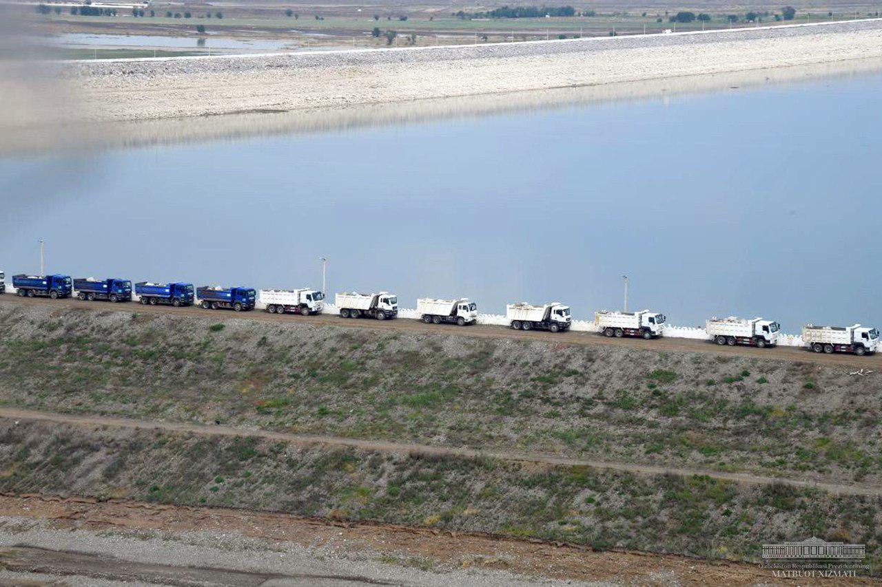 Две бригады круглосуточно ликвидируют последствия прорванной дамбы Сардобинского водохранилища