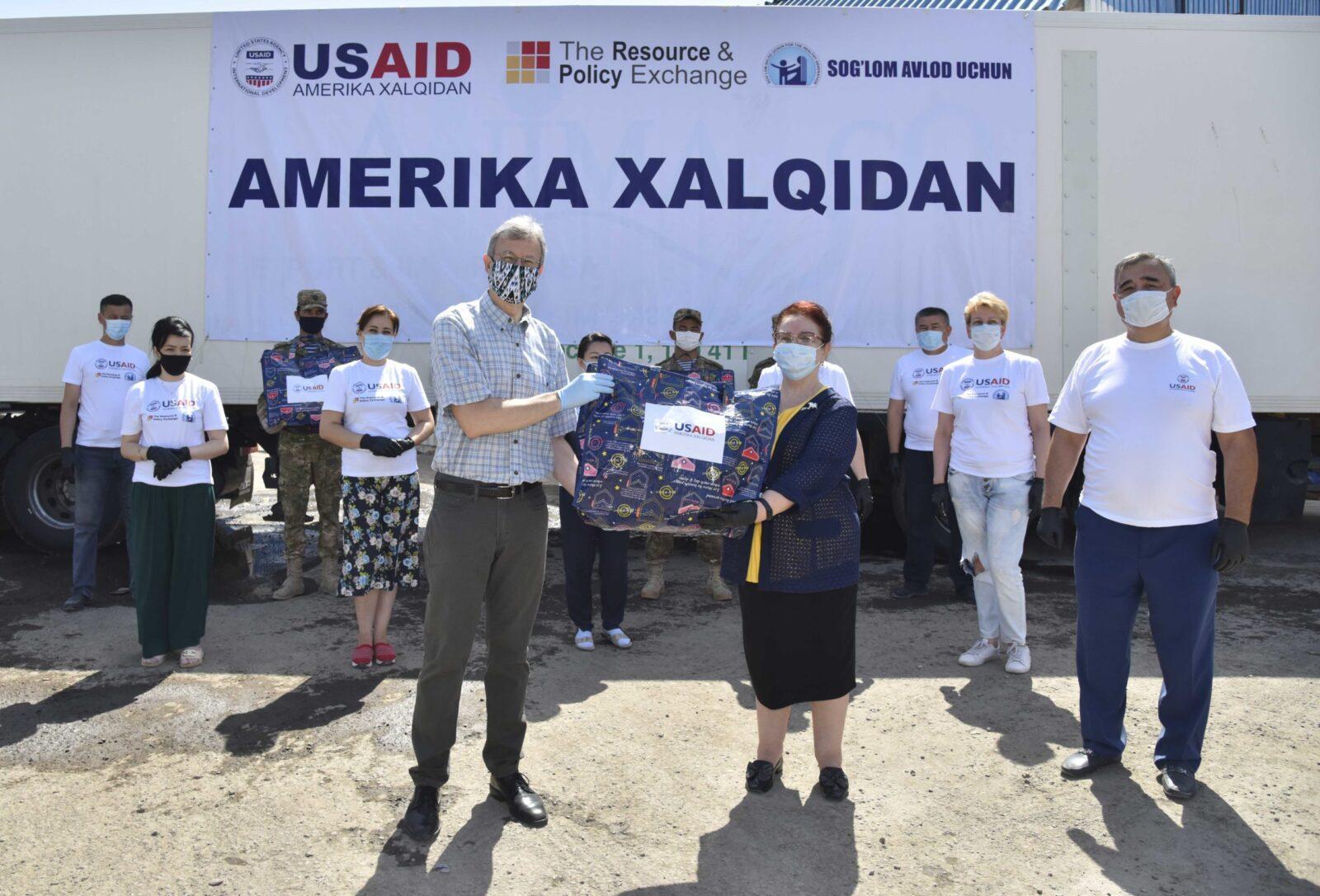 Посольство США передало наборы гумпомощи для пострадавших от прорыва дамбы Сардобинского водохранилища