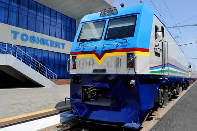 Узбекистан вновь планирует закупить партию китайских электровозов