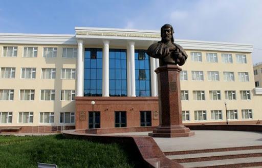 Заместитель декана Нукусского государственного педагогического института задержан при получении взятки в $3000
