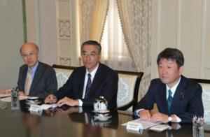 Ўзбекистон Президенти Ислом Каримов Япония иқтисодиёт вазирини қабул қилди