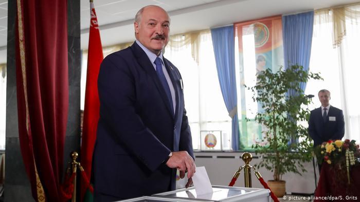Шавкат Мирзиёев поздравил Александра Лукашенко с победой на выборах президента Беларуси