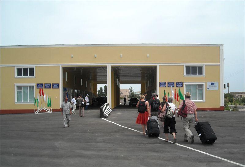 СМИ: Узбекистан откроет границу с Таджикистаном 1 октября