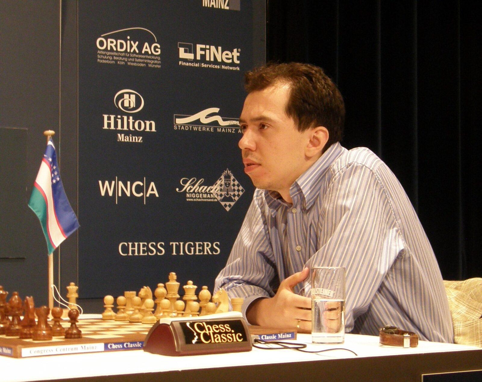 Рустам Касымджанов победил российского шахматиста Владимира Крамника