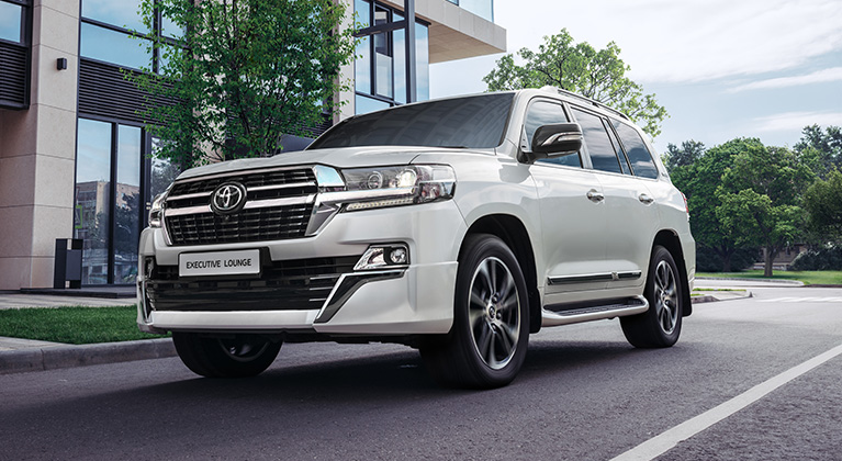 Хокимият Наманганской области приобрел два автомобиля почти на 2 млрд сумов