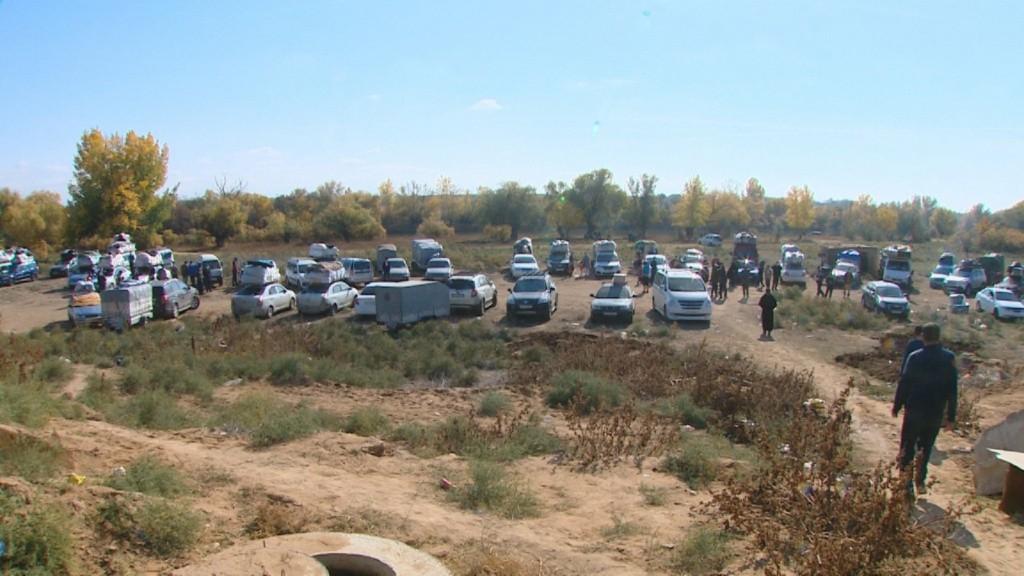 Застрявших в Астраханской области узбекистанцев отправят поездами в Ташкент: для этого к ним прицепят три дополнительных вагона
