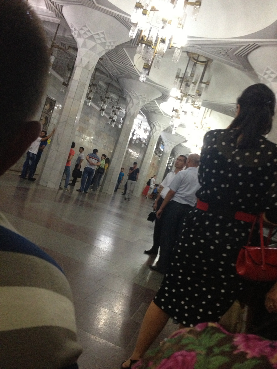 В Ташкентском метро произошло задымление