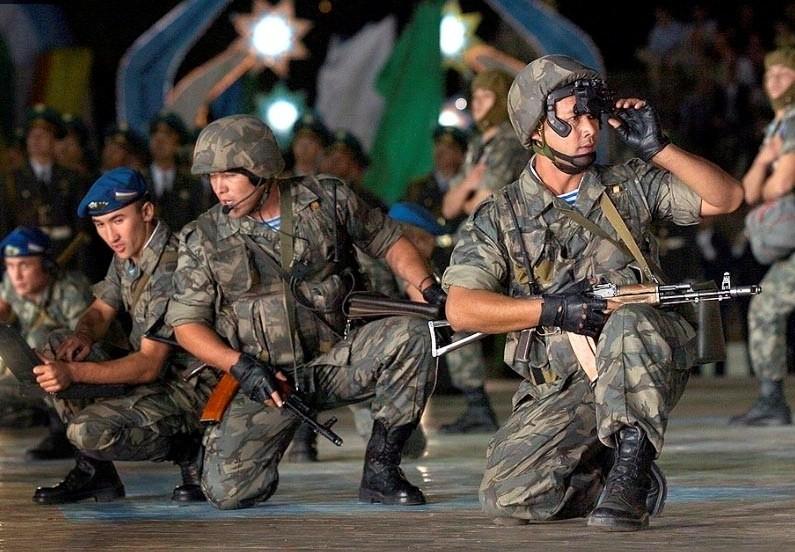 На учениях в Сурхандарье «отразили» атаки террористов