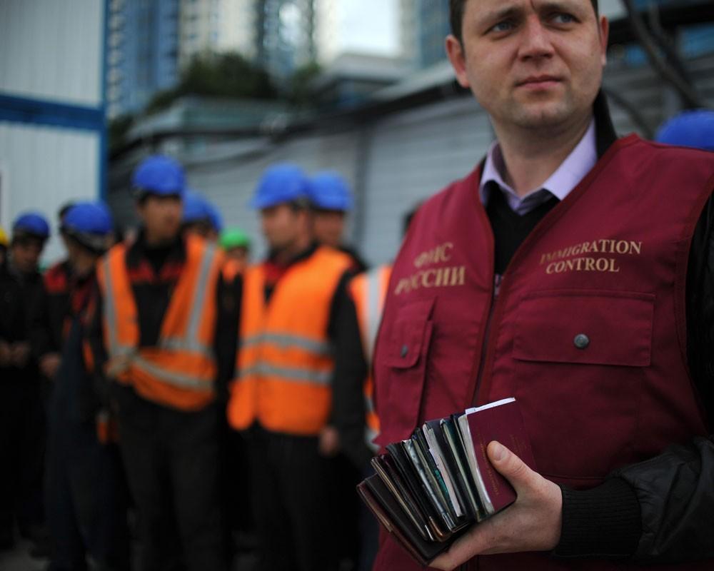 Проведение миграционной амнистии одобрено в России