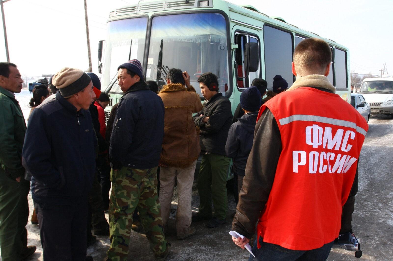Два автобуса нелегалов и нарушителей