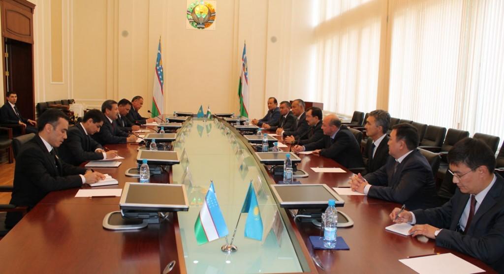 Генпрокуроры Узбекистана и Казахстана обсудили взаимодействие