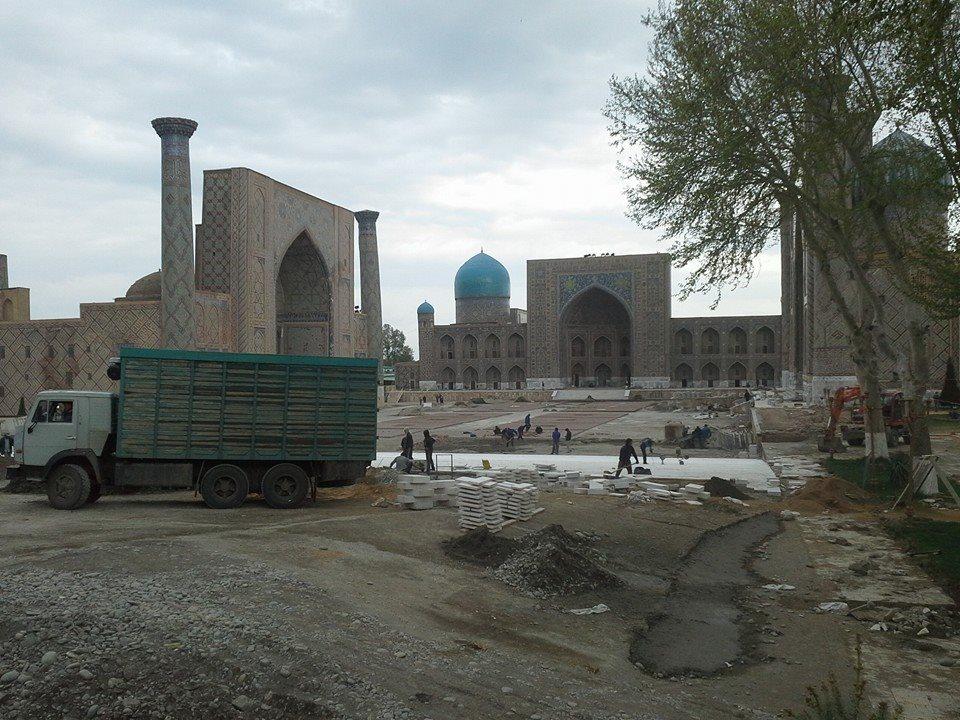На площади «Регистан» в Самарканде строят амфитеатр