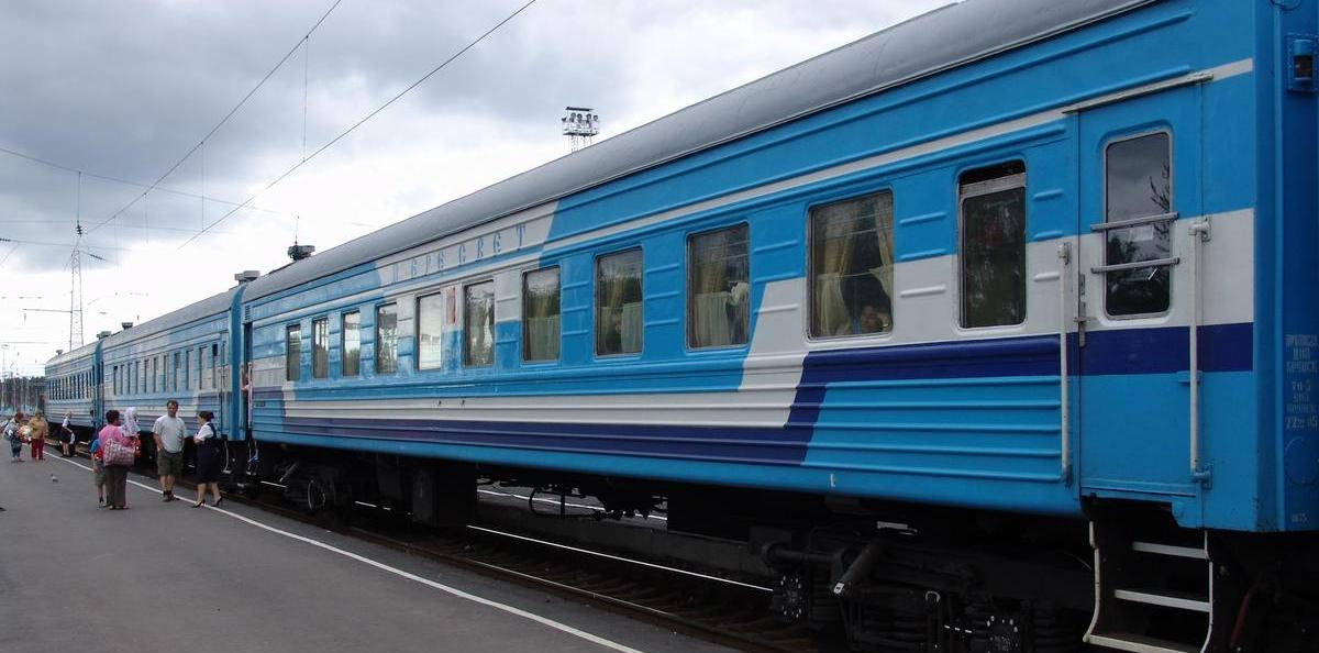 Украина возобновила предпродажу билетов на поезда из Узбекистана