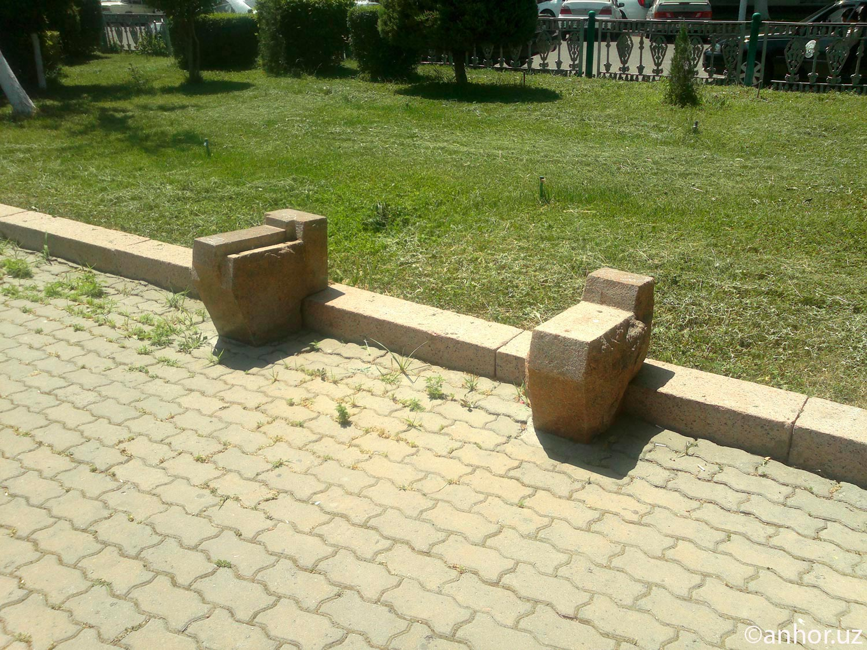 Где скамейки? (фото)