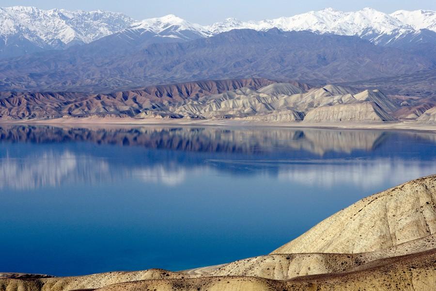Профильный комитет парламента Кыргызстана предлагает ограничить подачу воды для ирригации в Узбекистане