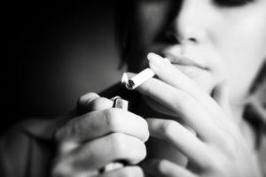 В Узбекистане меньше курящих женщин