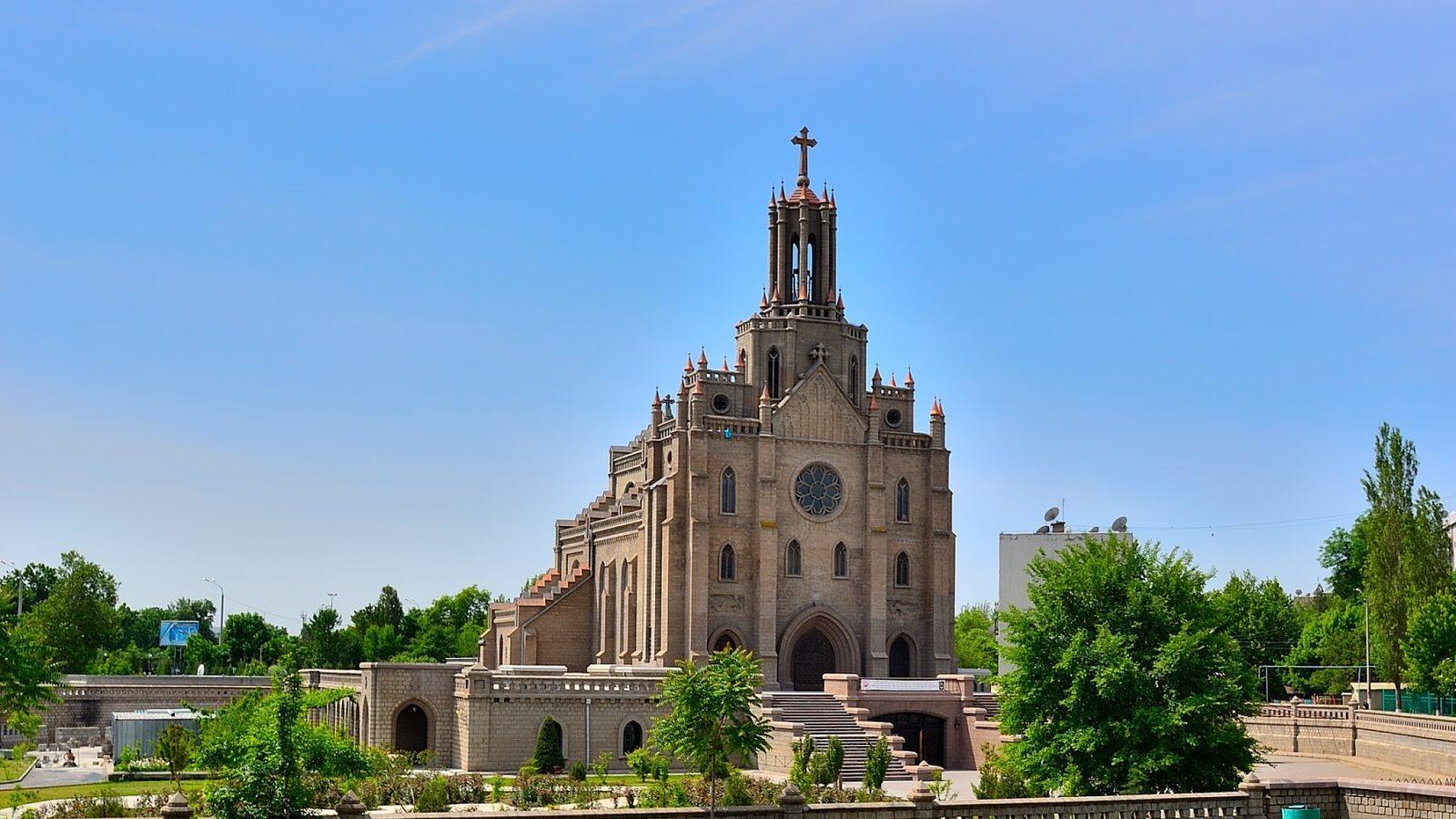 К столетию ташкентского костела