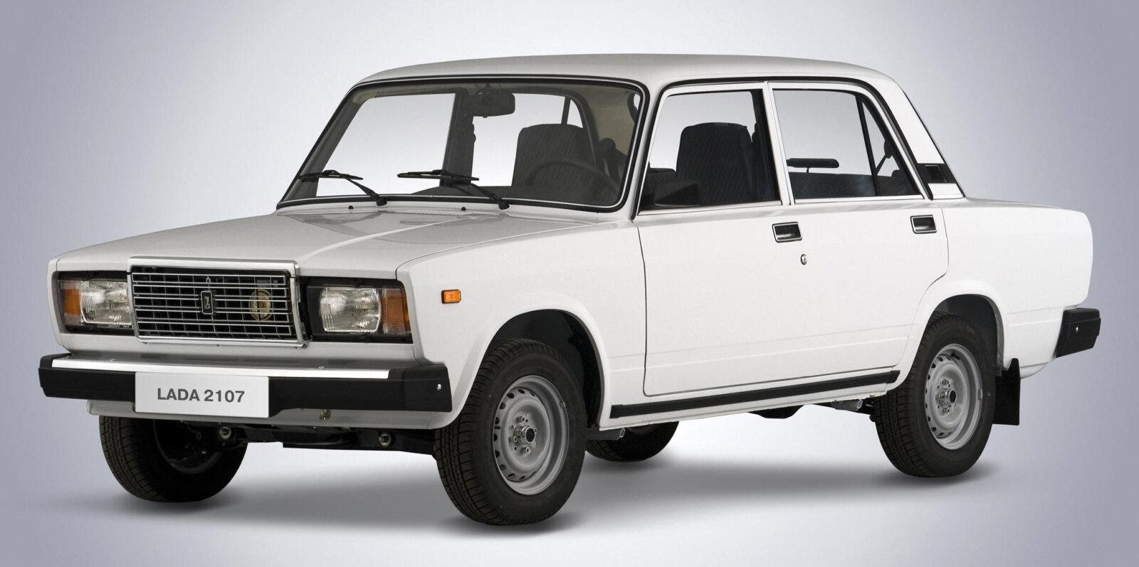 Узбекистан с 1 июня приостановил оформление продаж автомобилей из стран СНГ