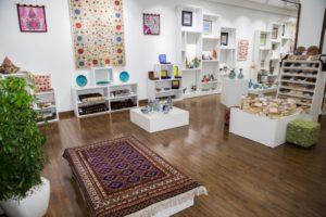 Открытие галереи искусств Autograph art gallery