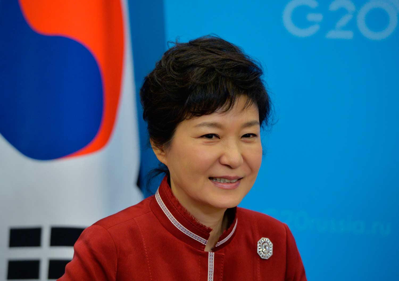 Жанубий Корея президенти уч кунлик ташриф билан Ўзбекистонга келди