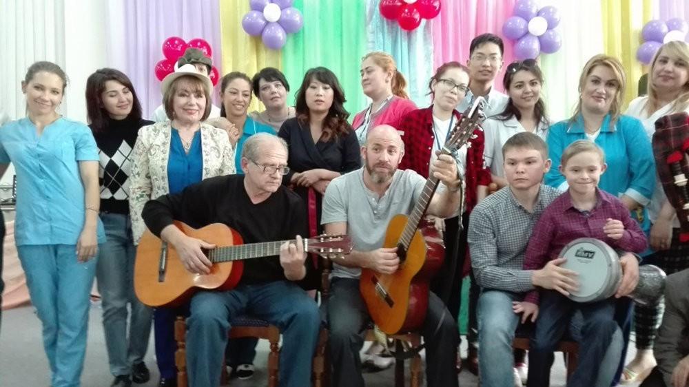Израильский музыкант сыграет для детей со специальными потребностями в Узбекистане