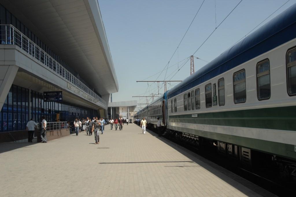 Запущен новый скорый электропоезд в Ходжикент