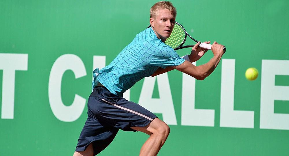 Теннисист Санжар Файзиев – многообещающая концовка сезона
